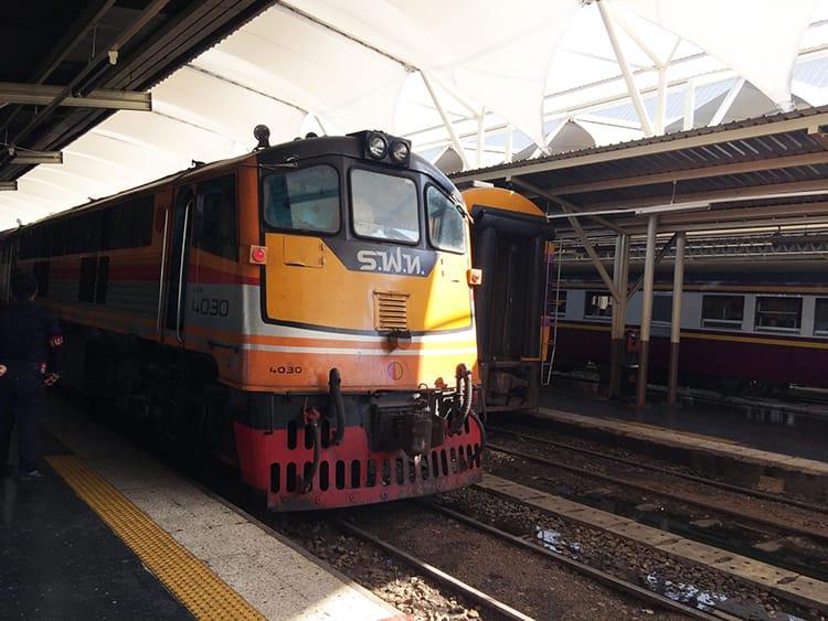 A Thai Railways North Line train pulls into the station