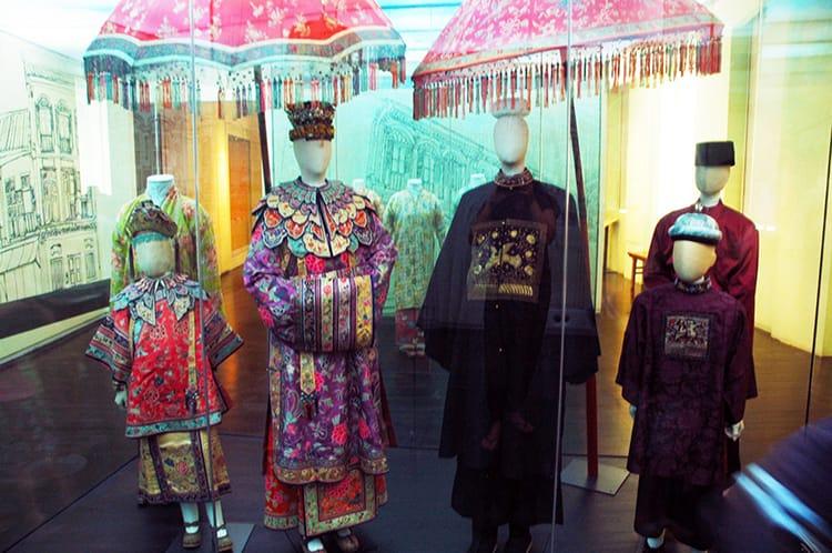 Traditional Peranakan Wedding Attire
