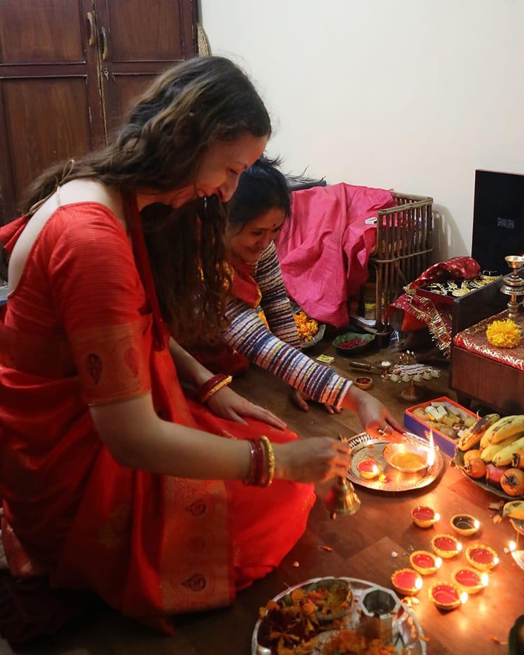 Michelle Della Giovanna from Full Time Explorer participates in Laxmi Puja for the first time