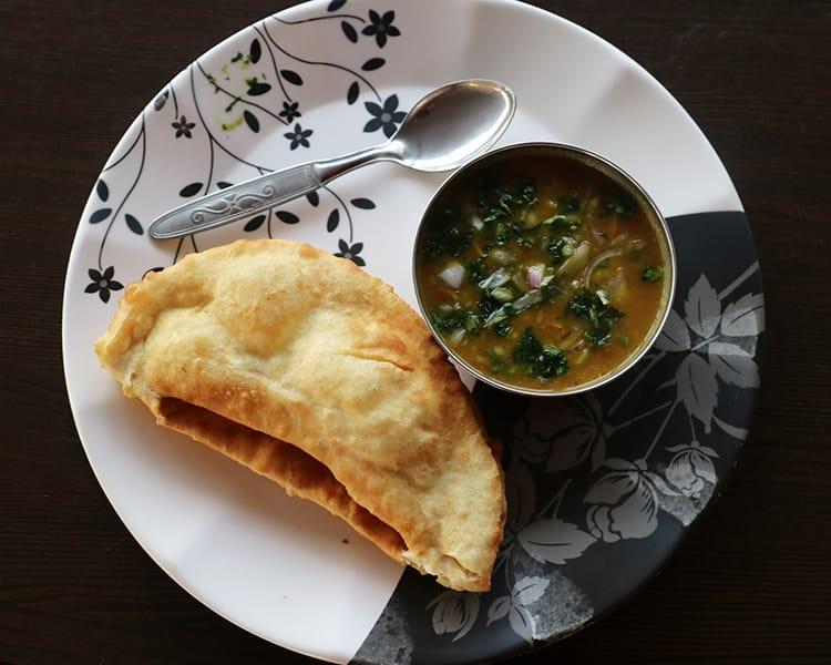 Freshly made potato curry and Tibetan bread